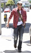 Kellan Lutz out shopping in Hollywood - July 29th, 2010 56cf4b90792487