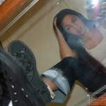 Moreninha tesuda dos seios durinhos tirando fotos nua no espelho!